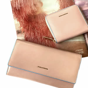 Newcomers! Gentle, powder, leather PIQUADRO accessories!